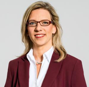 sonja-riedemann-rechtssicherer-einsatz-im-interim-management-300x294